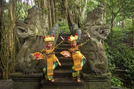 Bali_Dancers_Jim_Zuckerman
