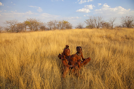 Namibia_tribal_family_Jim_Zuckerman
