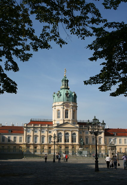 StrosseCharlottenburg_small