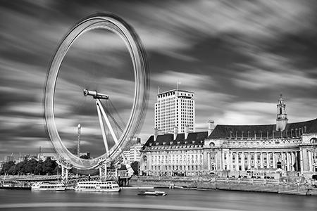 London Eye in motion long exposure