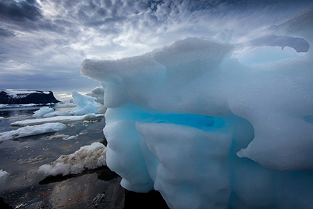 Antarctica_iceberg_Jim_Zuckerman